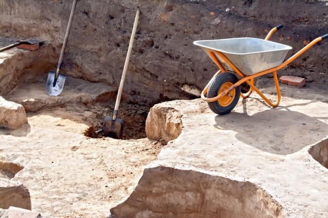 При раскопках нашли детскую посуду
