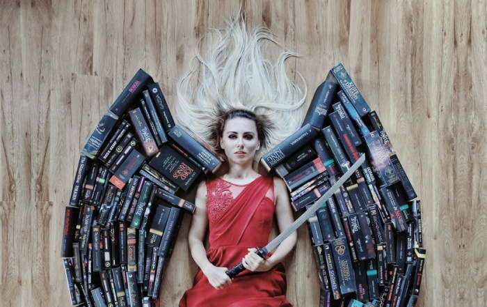 Румынская девочка придумала, как приучить молодежь к чтению