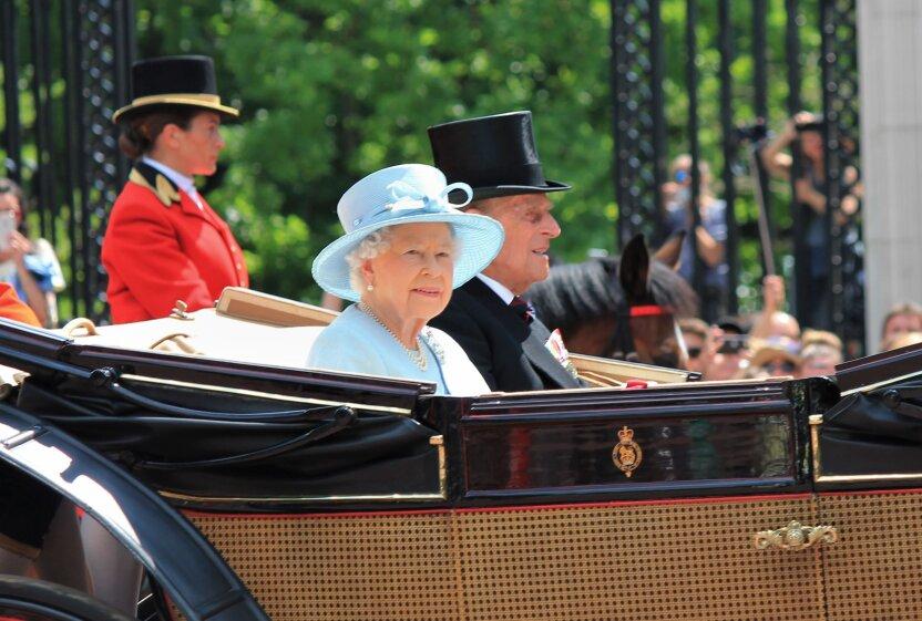 Школьник из Орска получил письмо от британской королевы