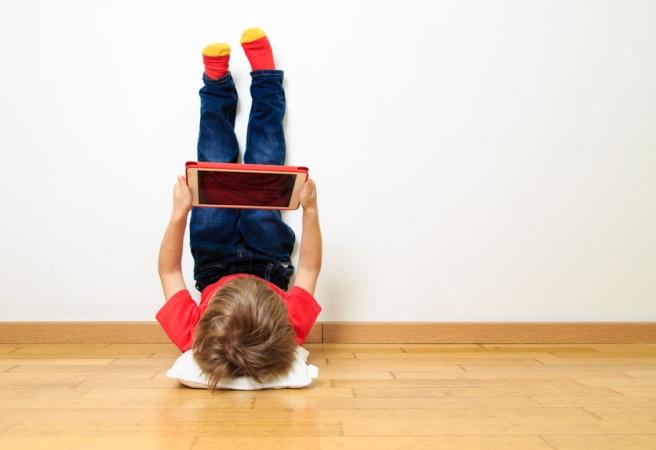 Трехлетний сын заблокировал планшет своего папы на 48 лет