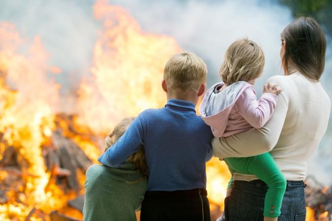 Мальчик спас из пожара троих братьев и сестру, и стал героем соцсетей