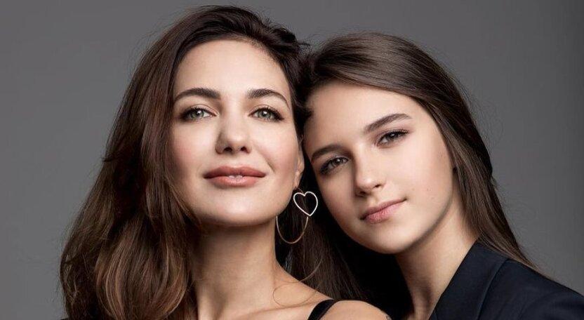 Климова показала фото подросших дочерей