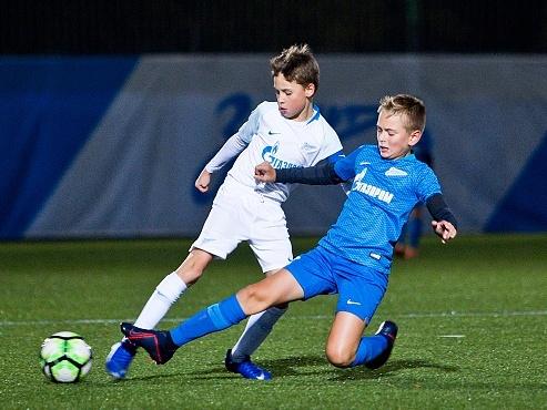 Две команды «Зенита» U-10 провели золотой матч первенства города