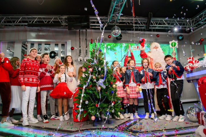 """Детское радио отметило свой 13-й день рождения """"Радиоутренником"""" с Всероссийским Дедом Морозом"""