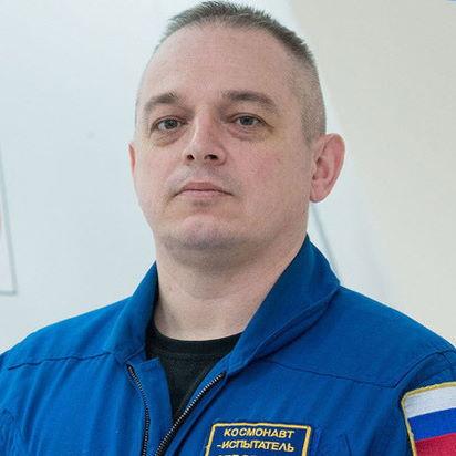 Марк Серов
